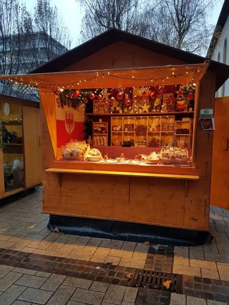 Suedtiroler-Speck-am-Weihnachtsmarkt-Loerrach